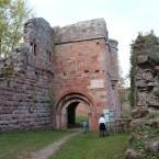 Torturm mit Apsis der einstigen St. Georgs-Kapelle