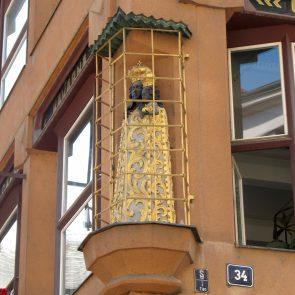 Prager Hauszeichen Zur Schwarzen Madonna