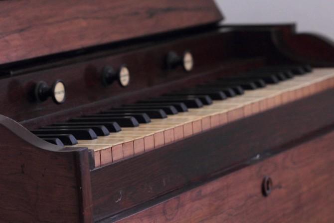 Harmonium Tastatur