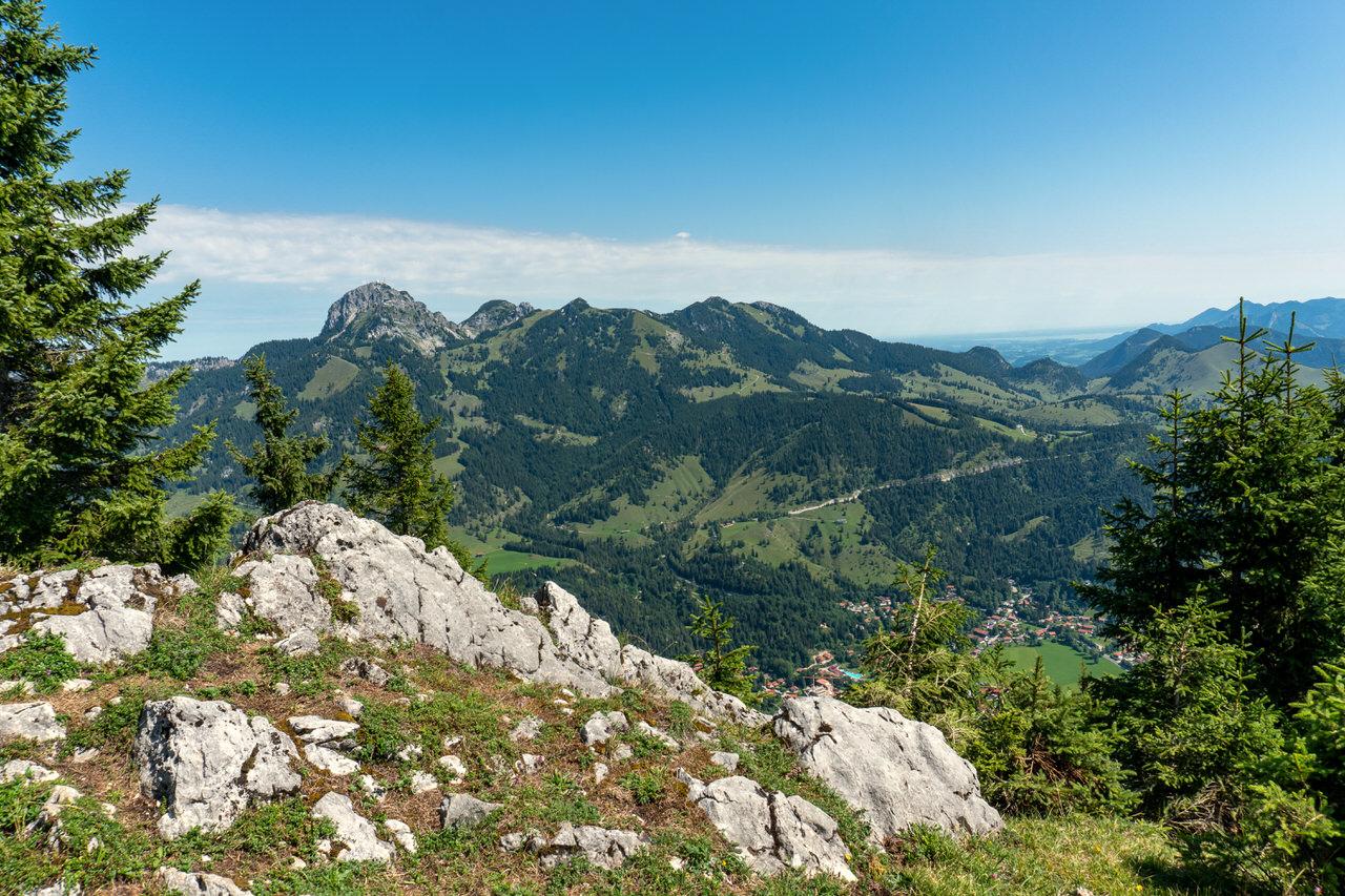 Blick vom Seefeldkopfgipfel auf den Wendelstein